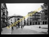 Balmaseda - Calle principal y vista parcial de la Plaza