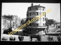 Calahorra - Banco de Santander y calle Mártires