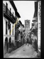 Guetaria - La calle Mayor y la Iglesia