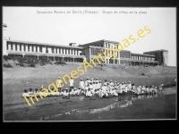 Gorliz - Sanatorio Marino. Grupo de niños en la playa