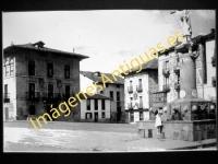 Marquina - Plaza del Carmen y Casa Consistorial