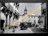 Novelda - Calle de don José Luis Gómez, fondo Ayuntamiento