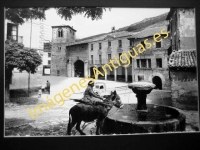 Oña - Plaza del Generalísimo Franco
