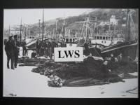 Bermeo - Repasando las redes en el puerto